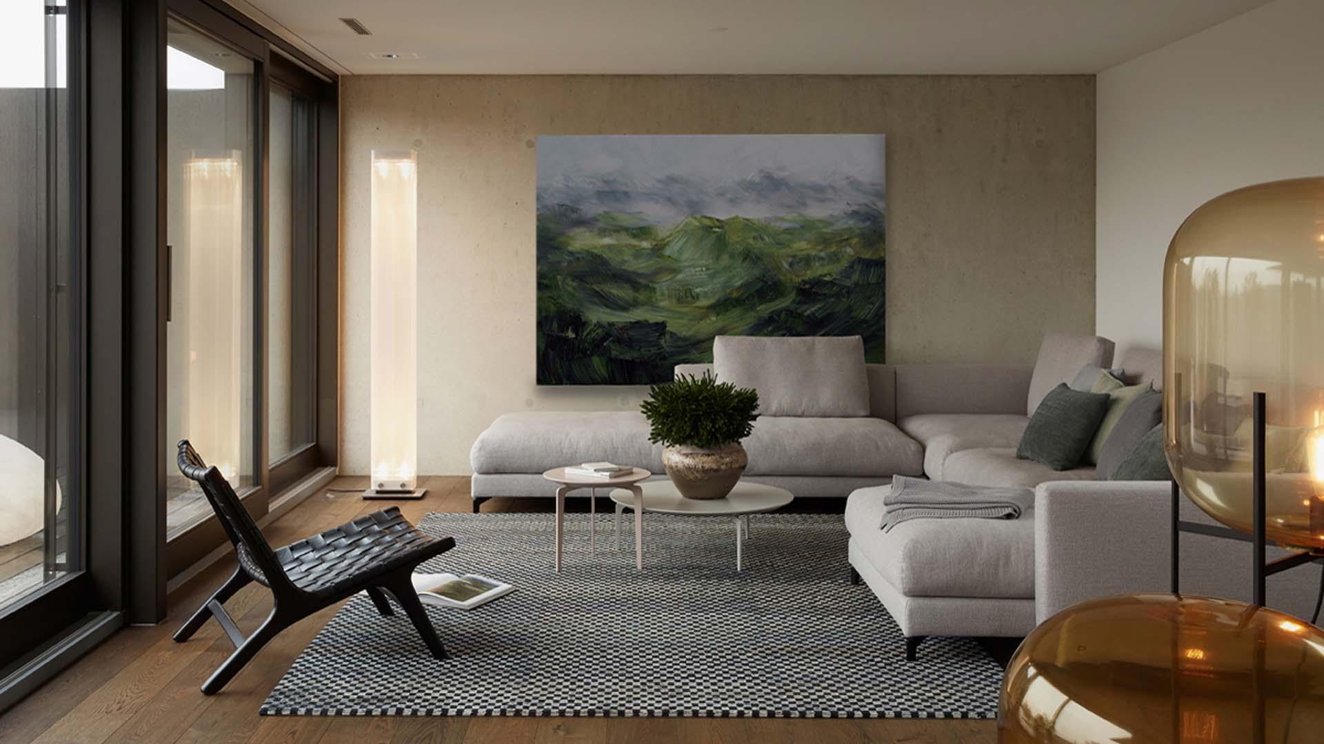 Möbliertes Wohnzimmer mit Sofa, Teppich, Sessel und Lampen.